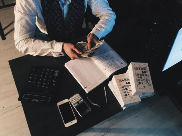 ACCOUNTING AND FINANCIAL COURSES BUNDLE cover