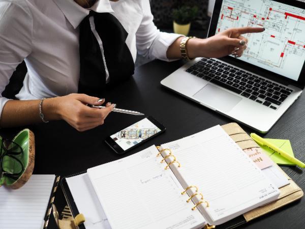 FINANCIAL MANAGEMENT COURSE BUNDLES cover